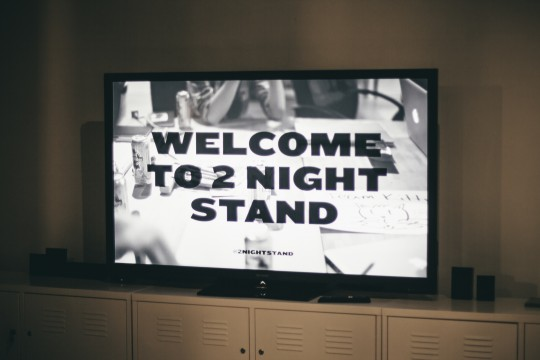 2 Night Stand